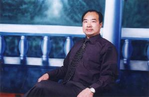 Renowned freelance writer Mr. Yang Tianshui from Nanjing City, China. (The Epoch Times)