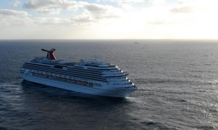 A Carnival cruise ship sits off the coast California.(Dylan McCord/Getty Images )