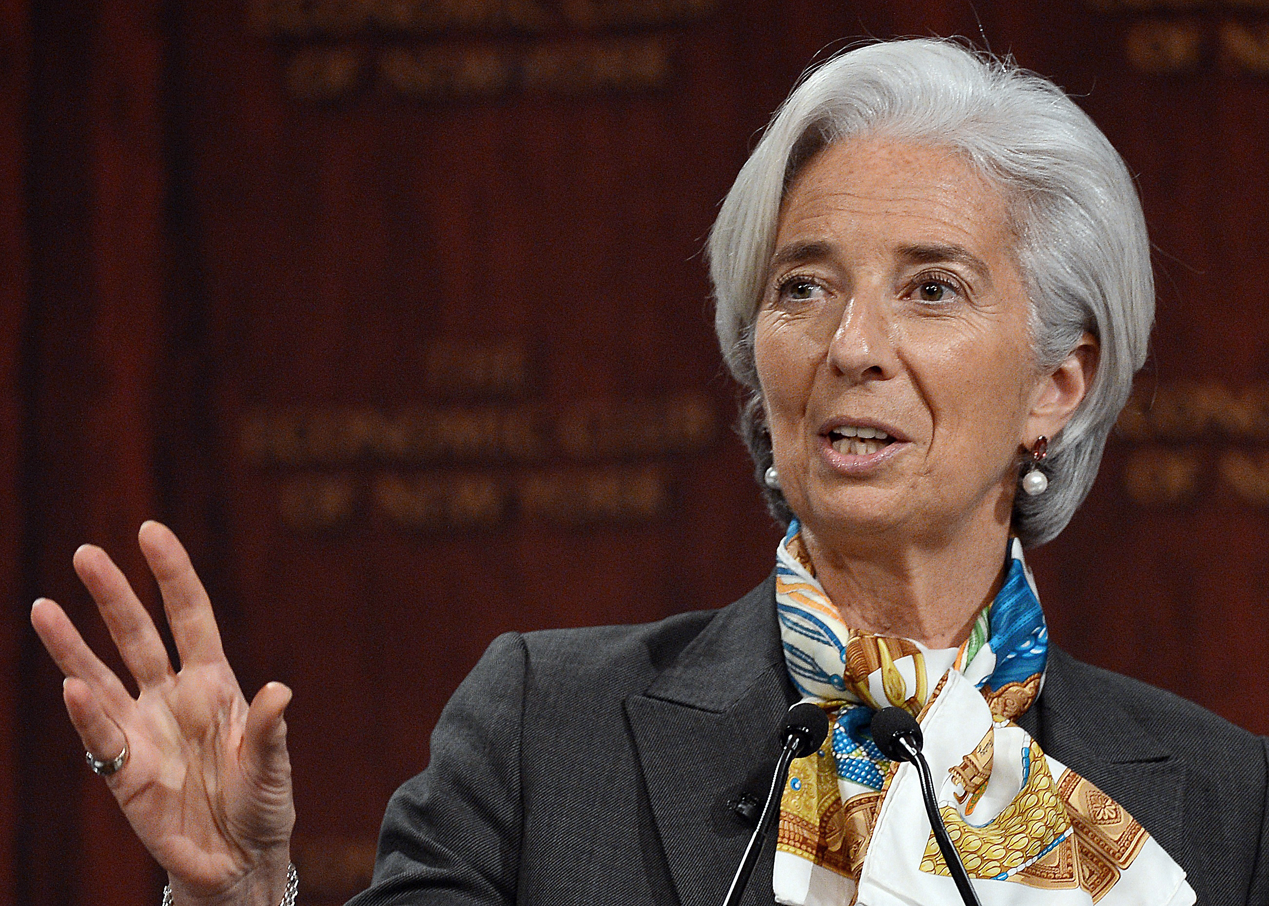 IMF Officially Adds Chinese Currency to Reserve Basket