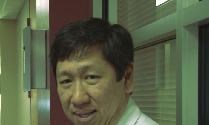 Henkie Tan, M.D., Ph.D., Assistant Professor of Surgery of the Living Donor Kidney Transplantation Program at the Thomas E. Starzl Transplantation Institute, told NTD Television, March 28, that the use of executed prisoners as organ donors would never be practiced in the United States. (Chaun Lin/ NTD Television)