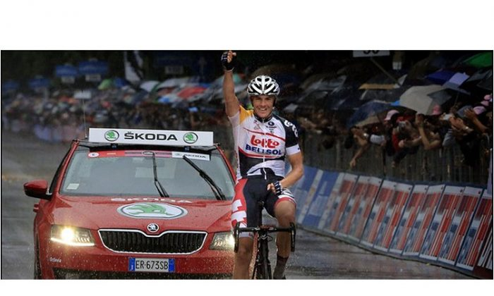 Adam Hansen rides through there rain to victory in Stage Seven of the 2103 Giro d'Italia. It was his first Grand Tour stage win. (lottobelisol.be)