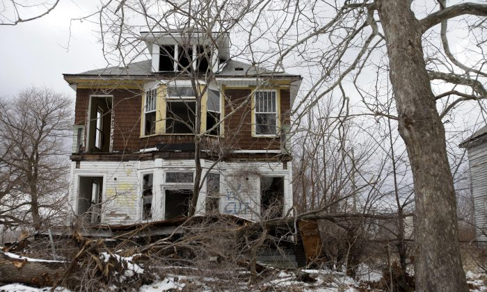 An abandoned home is seen on Feb. 24, 2013 in Detroit, Michigan.  (J.D. Pooley/Getty Images)