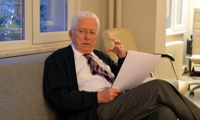 Businessman and former politician Tarhan Erdem, who heads the Council of the Wise in Western Anatolia, explained his thoughts about the Kurdish peace process. (Tiejun Wang/The Epoch Times)