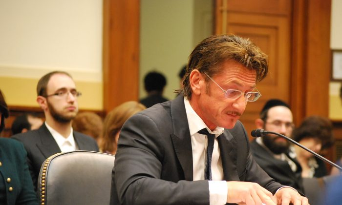 Actor Sean Penn testifies before the Congressional sulbcommittee of Africa, Global Health, Global Human Rights and Int'l Orgs on May 20 to ask the committee to act to pursuate the Bolivan judiciary to release Jacob Ostreicher, an American businessman held captive in Boliva.( Ron Dory/Epoch Times)