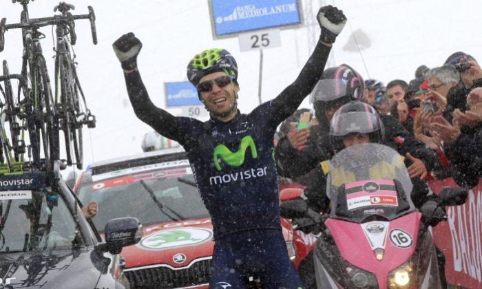 Movistar's Giovanni Visconti pedals through snow to win Stage 15 of the 2013 Giro d'Italia. (Movistarteam.com)