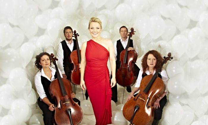 Claire Martin poses with the Brighton based Montpellier Cello Quartet. (Courtesy of www.clairemartinjazz.co.uk)