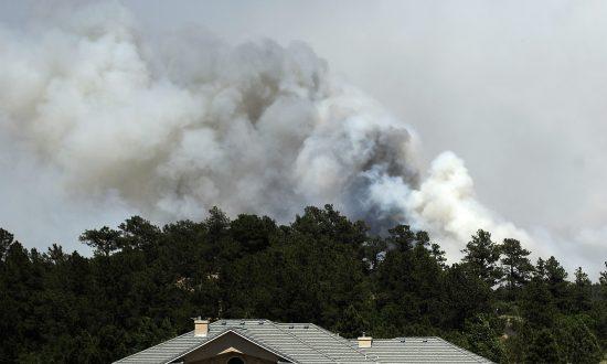 El Paso Resident Loads Motor Home, Evacuates as Fire Nears