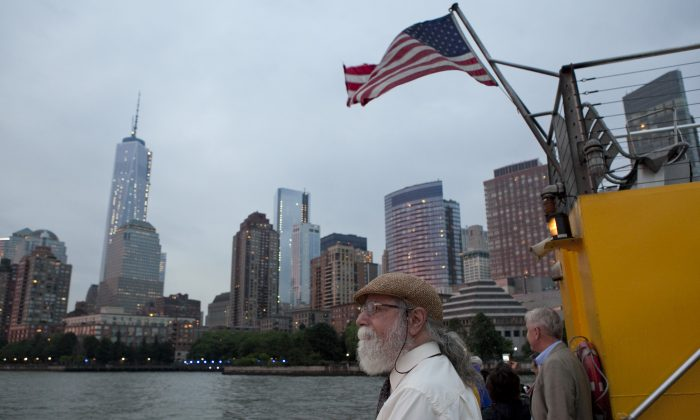 Passengers on a boat that toured the New York Harbor on June 18. (Samira Bouaou/Epoch Times)