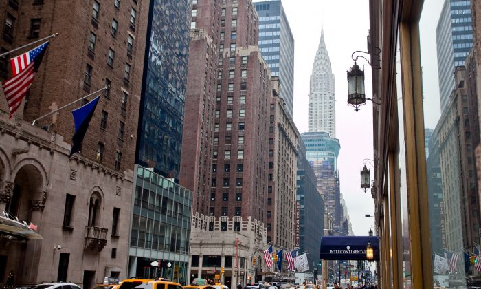 A view of Vanderbilt Avenue, with Grand Central Terminal on the right, in Manhattan, New York, June 19, 2013. (Samira Bouaou/The Epoch Times)