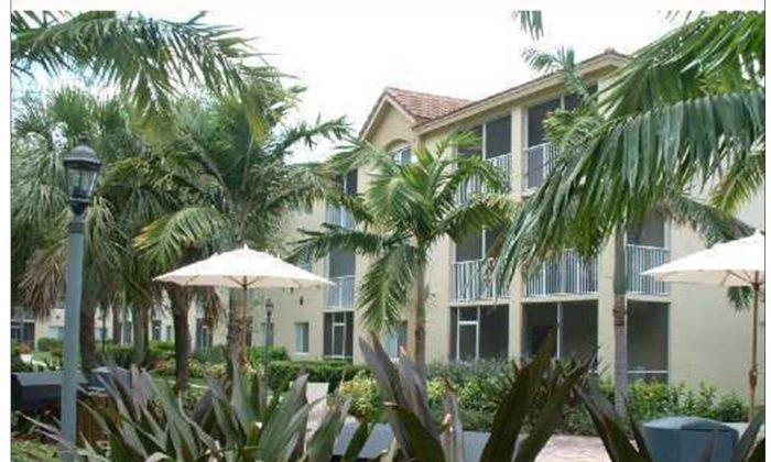 Real estate investor Jan Gao purchased this condo in Florida that features three bedrooms and two bathrooms and is located on a golf course. It was in foreclosure in 2009 and sold for one-third what the prior owner had paid for it. (Shizhong Lei)