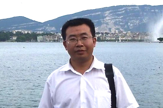 Jiang Tianyong recently posted to his Twitter that over a dozen lawyers in China had their licenses to practice law effectively cancelled, after taking on politically sensitive cases. (The Epoch Times)