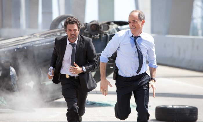 """(L–R) FBI Special Agent Dylan Rhodes (played by Mark Ruffalo) and Agent Fuller (Michael Kelly) in the thriller """"Now You See Me."""" (Steve Dietl/Summit Entertainment)"""