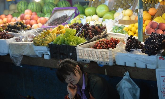 Chinese Consumers Shocked by 78 Percent Price Hike on Fruits