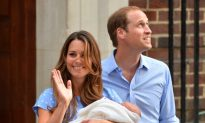 Photos: Royal Baby Boy Leaves Hospital With Kate, William; Onward to Kensington Palace