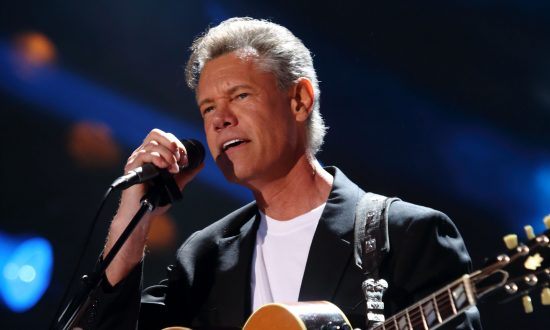 Randy Travis Released from Hospital, Sent to Physical Therapy Facility