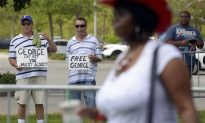 Zimmerman Trial: Photos of People Gathering Outside Florida Courthouse