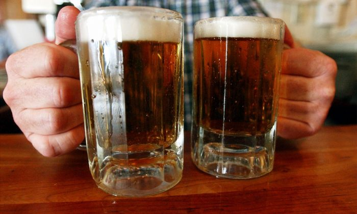 Binge-Drinking Impairs Brain: New Study