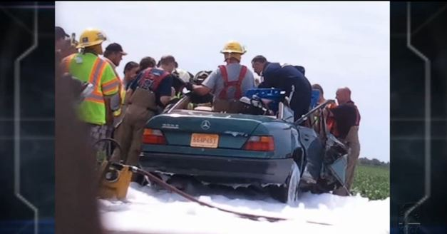 'Angel' Priest Car Crash: Priest Appears, Prays During Rescue, Then Vanishes (+Video)