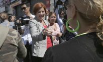 Days to Election, Christine Quinn Calm in Answering Critics