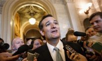 Ted Cruz Heckled, Cheered During Speech (+Video)