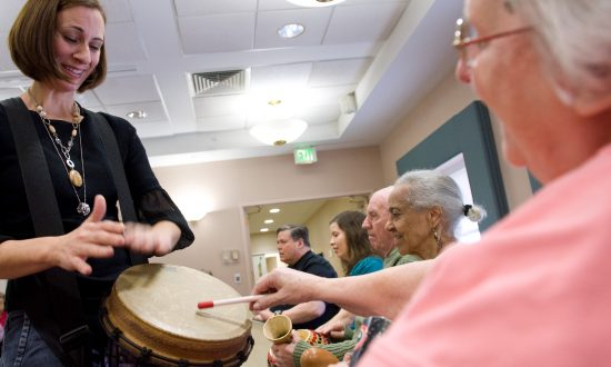 How Seniors Can Overcome the Effects of Hearing Loss