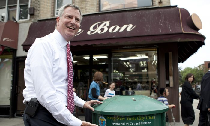 New York Democratic mayoral nominee Bill de Blasio on Aug. 26. (Samira Bouaou/Epoch Times)