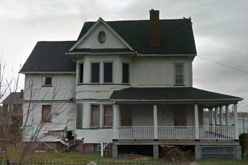 A screenshot, taken on Oct. 25, 2013, shows a home at 415 Port Richmond Ave., Staten Island, New York. The house, which has been abandoned for several years, was claimed as the home of Sandy evacuees. (Screenshot/Google Maps)