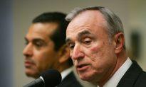 Bill de Blasio Denies Bill Bratton Selected Police Commissioner