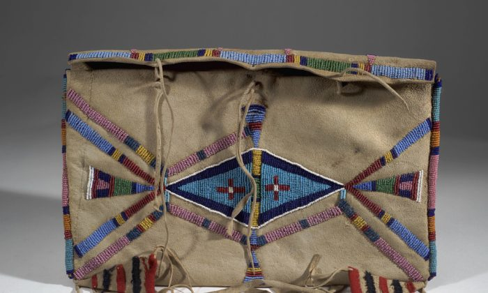Shoshone bag, Fremont County, Fort Washakie, Wyoming, acquired 1901. Elk hide, glass beads, cloth, thread. Division of Anthropology, American Museum of Natural History. (The Bard Graduate Center)
