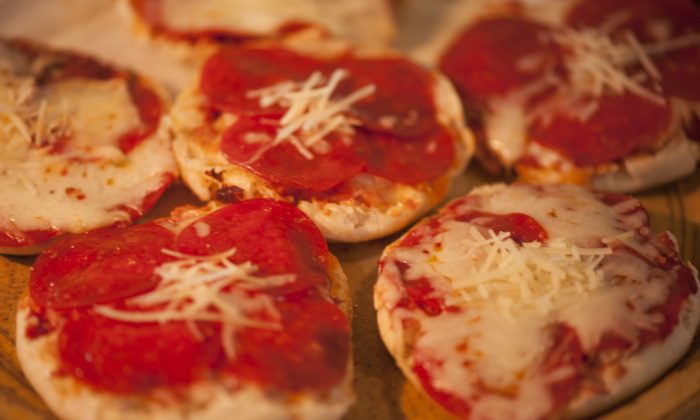 Tasty individual pizzas, cooked on a gas grill. (Cat Rooney/Epoch Times)
