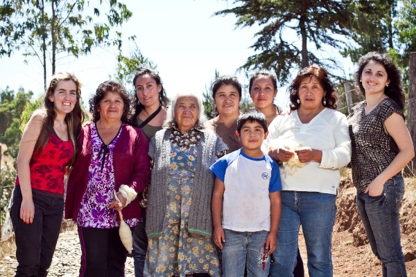 Jasmine Aarons, VOZ CEO (far right) with a group of Mapuche weavers from southern Chile. (Pilar Castro Evanson)