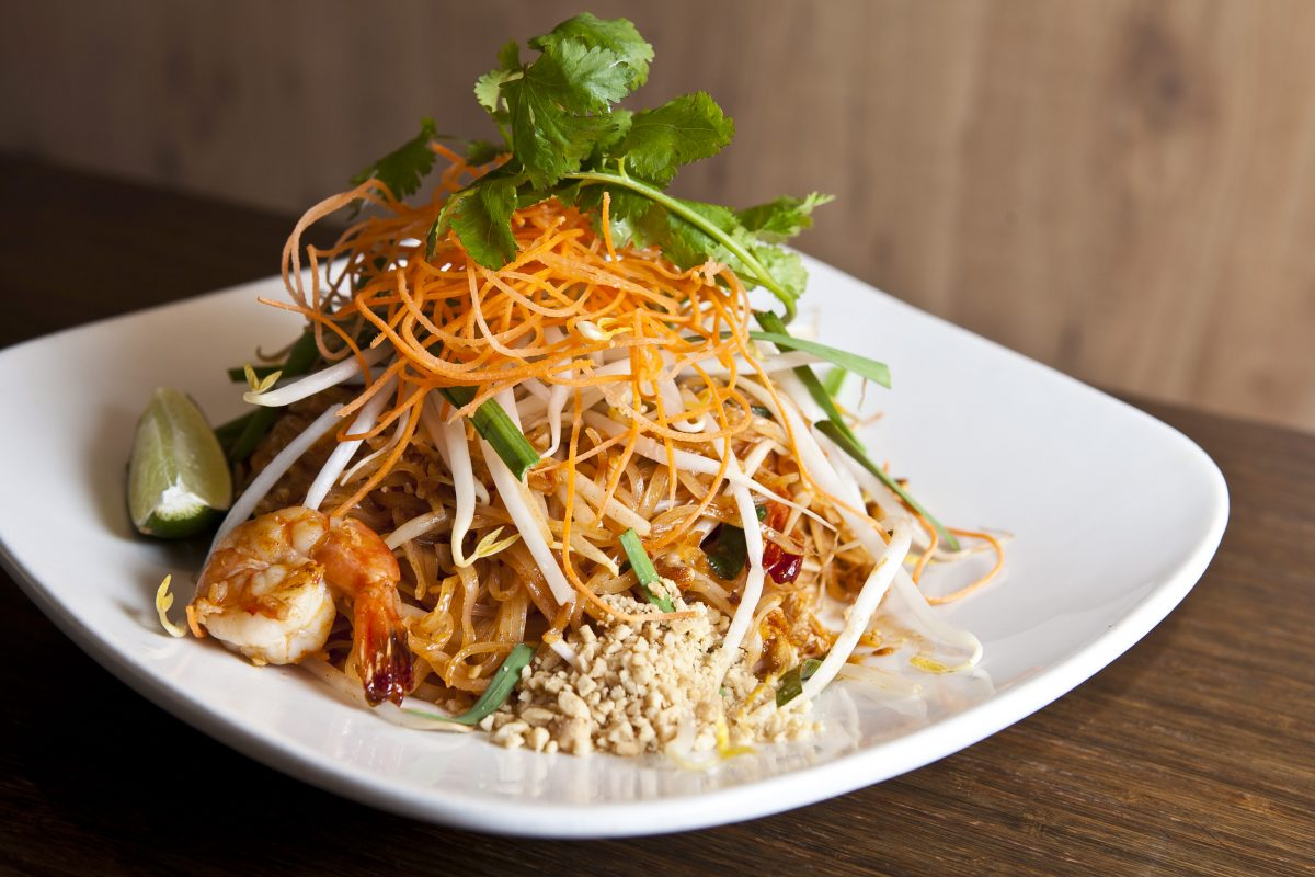 Pad Thai with shrimp. (Samira Bouaou/Epoch Times)