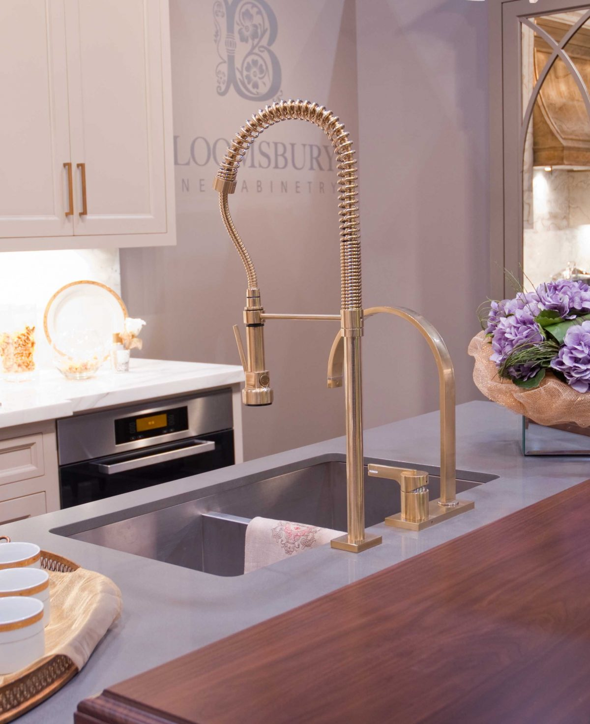 Gold: Hottest Trend For 2014 Home Decor
