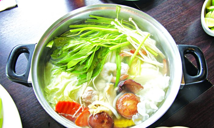 Typical Japanese dishes to eat on cold wintry nights are hot pot dishes called nabe. (MeePoohyaphoto/photos.com)