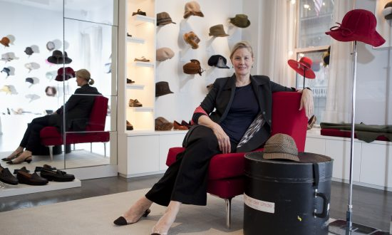 Susan van der Linde and the Hat Effect