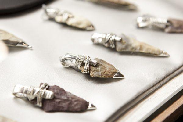 https://www.theepochtimes.com/assets/uploads/2013/12/20131206-jewelry-SamiraBouaou-5752-600x400.jpg