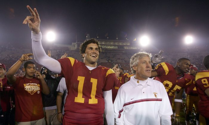 USC quarterback Matt Leinart (L) and head coach Pete Carroll (R) were quite a combination for the Trojans in winning the BCS title against Oklahoma in 2005. (Jeff Gross/Getty Images)