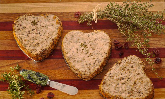 Portobello Mushroom Herb Spread (Cat Rooney/Epoch Times)