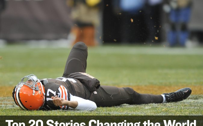Cleveland Browns quarterback Jason Campbell lies near midfield after suffering a concussion in the third quarter against the Pittsburgh Steelers on Nov. 24. (David Richard/AP)