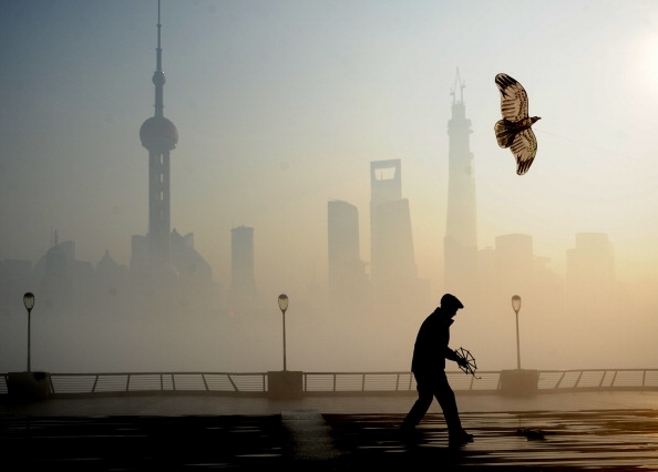 Pollution Forces Pregnant Women to Leave Chinese Village