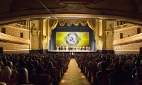 'Chinese culture is beautiful' Says CFO after Watching Shen Yun