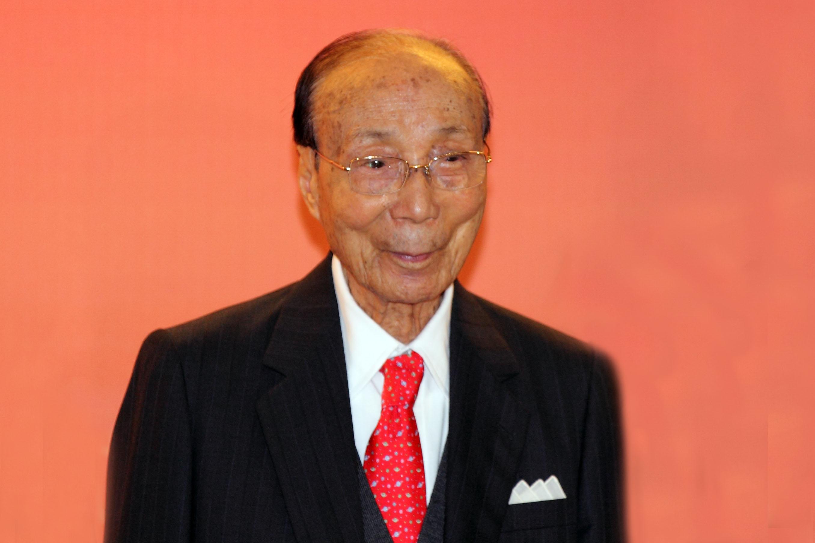 Tributes to Late Hong Kong Entertainment Icon, Run Run Shaw