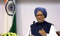 India Awaits New PM as Manmohan Singh Rules Out Third Term