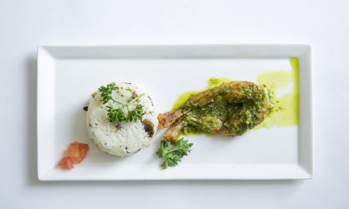 Frog legs in a Pernod sauce. (Samira Bouaou/Epoch Times)