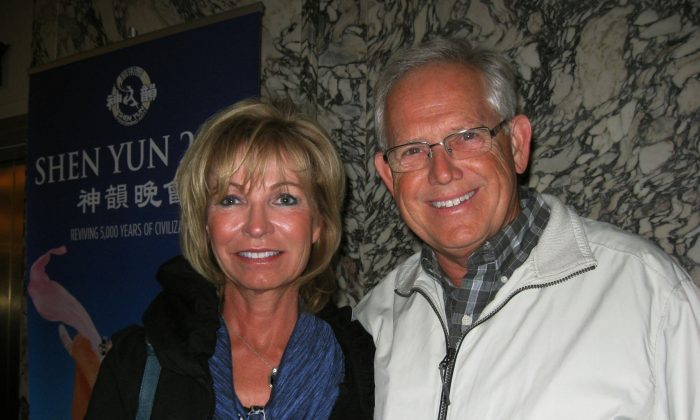 Bob and Patty Henrichs at the Orpheum Theater after seeing Shen Yun Performing Arts. (Cat Rooney/Epoch Times)