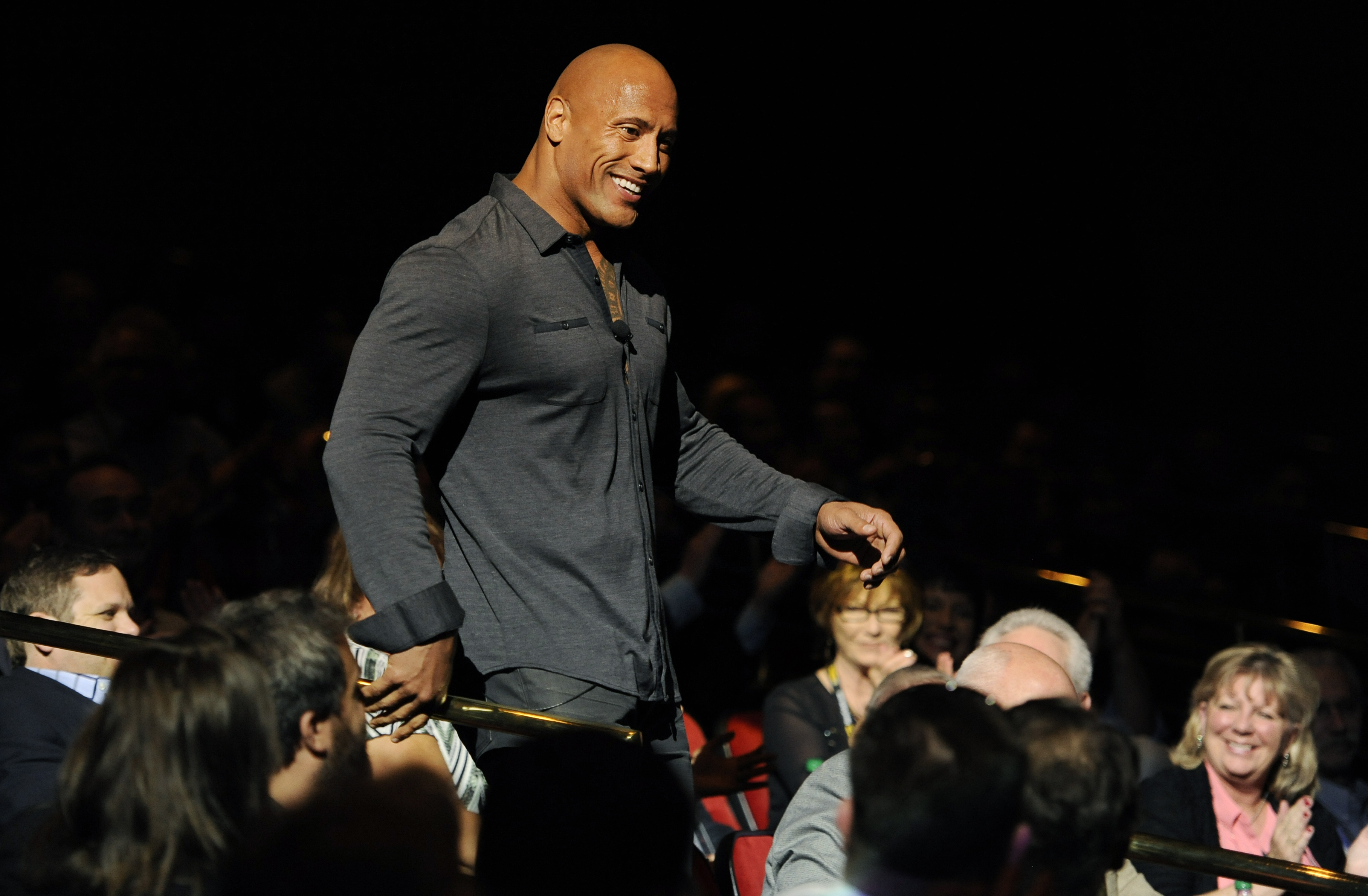 Dwayne Johnson Dead? Nope, The Rock Hasn't Died in New Zealand Fall; Posts Video Amid Fake 'RIP' Death Hoax