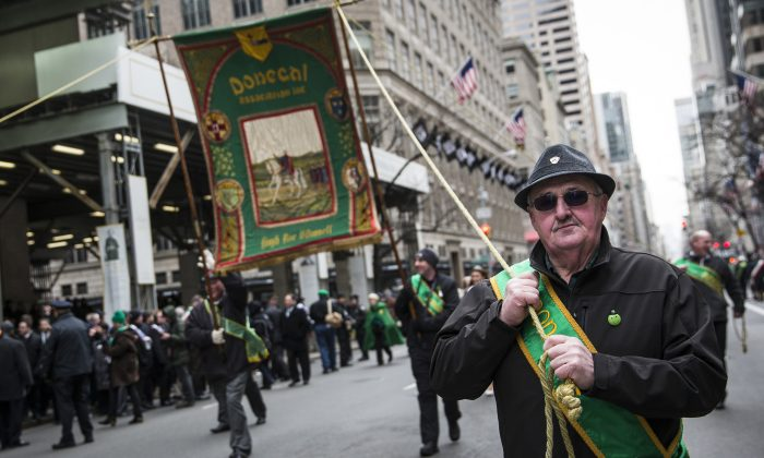 Participants march in the annual St. Patrick's Day Parade along Fifth Ave in Manhattan on March 17, 2014 in New York City. (Photo by Andrew Burton/Getty Images)