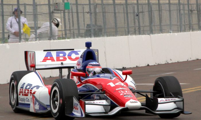 Takuma Sato in the #14 ABC Supply/A.J. Foyt Racing Dallara-Honda was quickest in the second practice session for the IndyCar Firestone Grand Prix of St. Petersburg. (Chris Jasurek/Epoch Times)