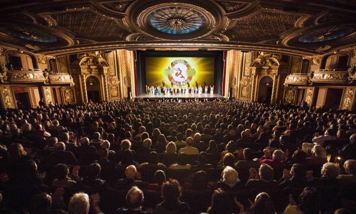 Shen Yun Performing Arts World Company's curtain call at the Wang Theatre at Citi Performing Arts Center, on March 1, 2014. (Edward Dai/Epoch Times)
