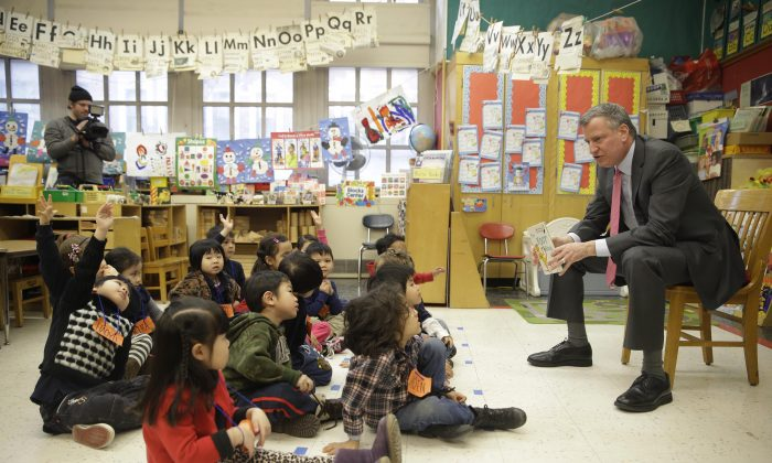 Mayor Bill de Blasio at a prekindergarten class at P.S. 130 in New York City, on Feb. 25, 2014. (Seth Wenig-Pool/Getty Images)